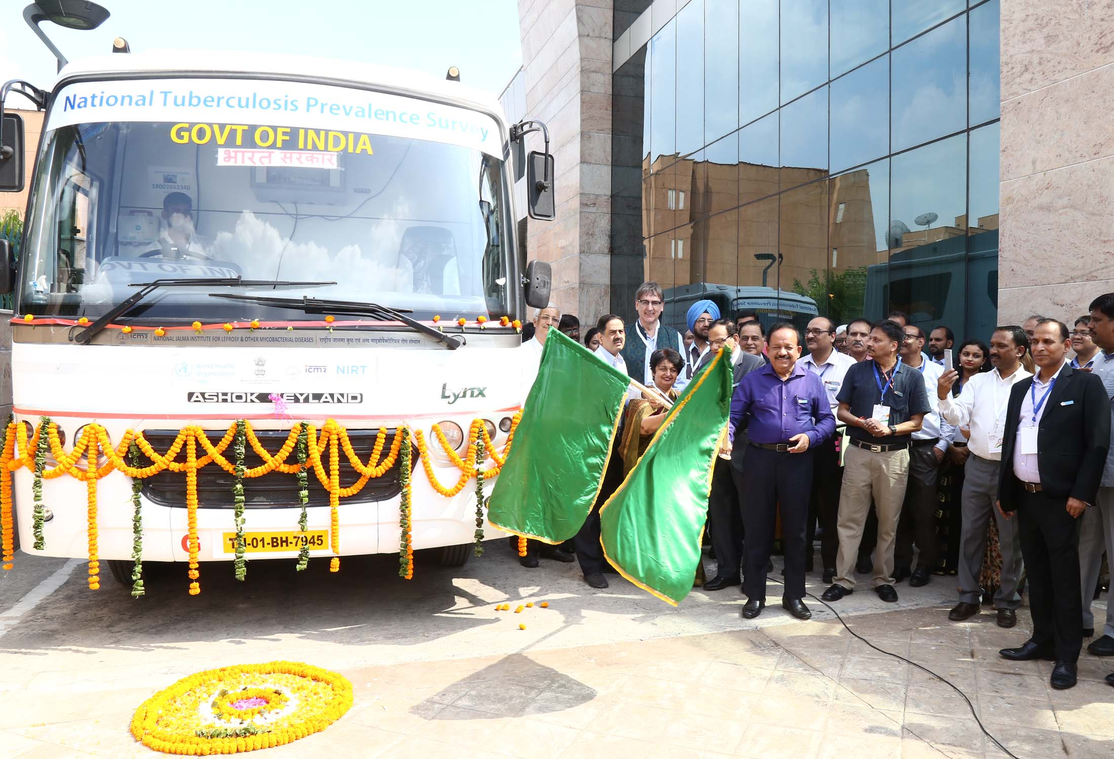 Hon'ble Minister of H&FM Dr. Harshvardhan , Secretary (HFW) Smt. Preeti Sudan Flagged off National TB Prevalence Vans